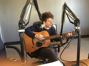 Mat Shoare plays live in our 90.1 FM Studios